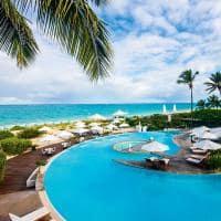 Piscina e praia Grace Bay, The Palms Turks and Caicos