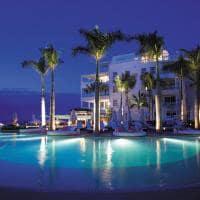 Piscina infinita noite, The Palms Turks and Caicos