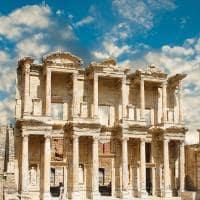 Fachada da antiga livraria Celsius em Ephesus - Turquia.