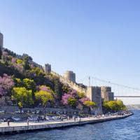 Fortaleza Rumelihisarı, as margens do rio Bósforo - Istambul, Turquia.